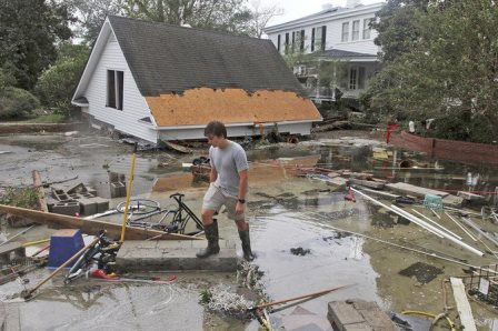 Hurricane Florence_credit Gray Whitley_Sun Journal via AP.jpg